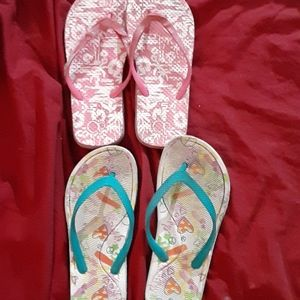🌻 2 pairs of toddlers sandals